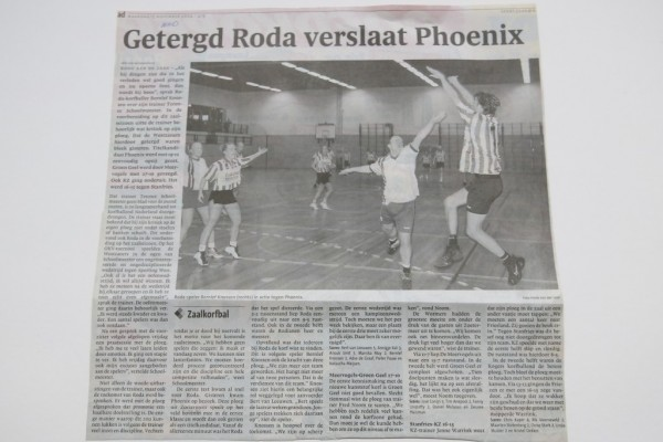 De openingswedstrijd van het zaalseizoen 2014/2015. Titelfavoriet Phoenix werd door de Roda dames weg geschoten (19-12).