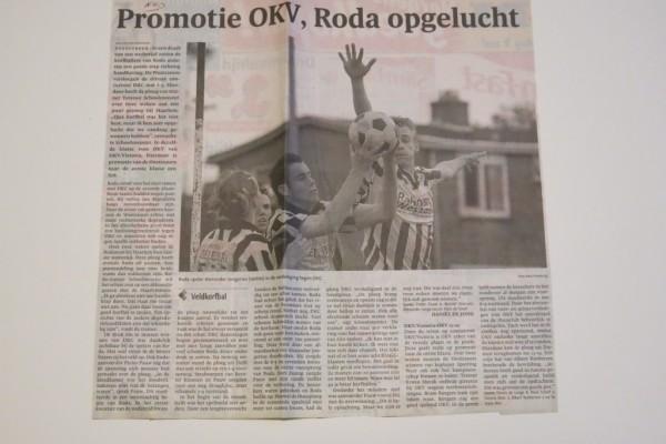 De voorlaatste wedstrijd op het veld. Roda heeft nog 1 punt nodig voor behoud in de tweede klas op het veld. OKV (Oostzaan) door Roda verslagen op het veld met 12-11 wordt kampioen. Op de foto een verbeten Alexander Jongerius waar de wilskracht afspet