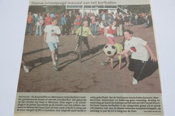 Het Roda Schoolkorfbal toernooi voorjaar 2006, nog op gravel gespeeld.