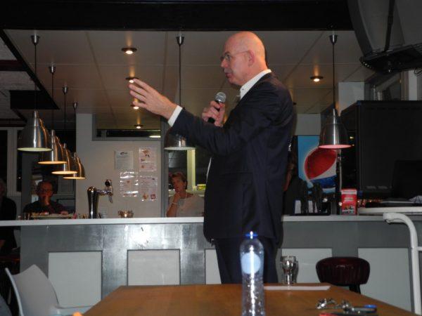 Toon Gerbrands, algemeen directeur van AZ, bij Roda's Club van 100 over de maakbaarheid van succes.
