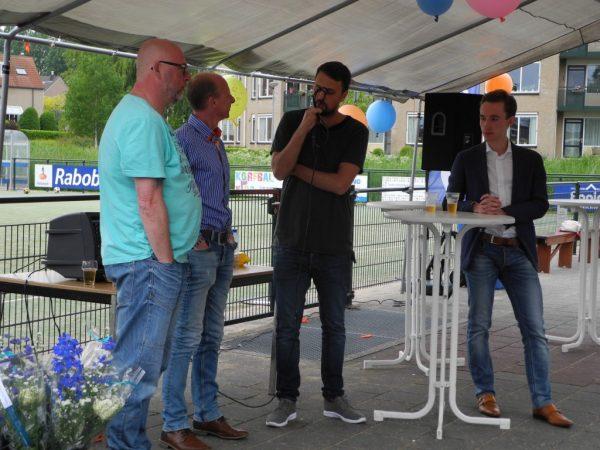 De Roda bestuursleden nemen afscheid van beide selectietrainers Imre Kaptein en Michael Fritzen